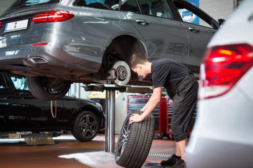 Winterreifen und Sommerreifen - Reifenwechsel im Kfz-Meisterbetrieb